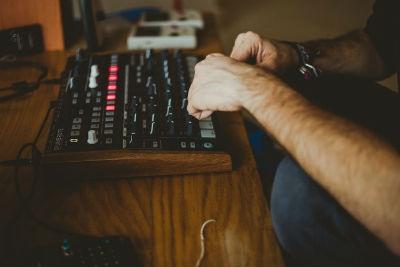 Estudio para la musica electronica